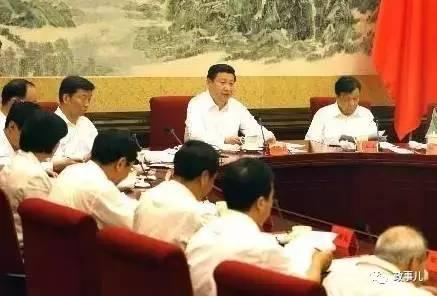 徐强回忆,当时习近平在座谈会上强调:一个基层党组织就是一个战斗堡垒,一名优秀共产党员就是一面闪光旗帜。