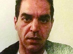 """法国检方近日说,初步调查显示,18日早晨在巴黎郊区93省和巴黎奥利机场袭击警察和值勤军人的男子是名惯犯,是警方和情报部门的""""老熟人"""",可能是在入狱期间被极端主义思想洗脑。"""