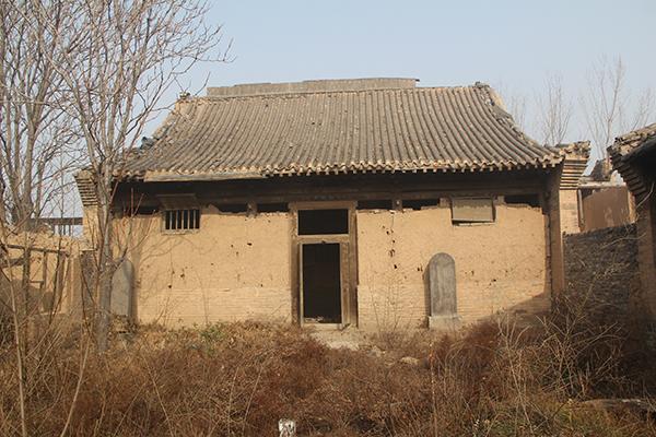邓晓华在2015年底拍摄的普照寺。