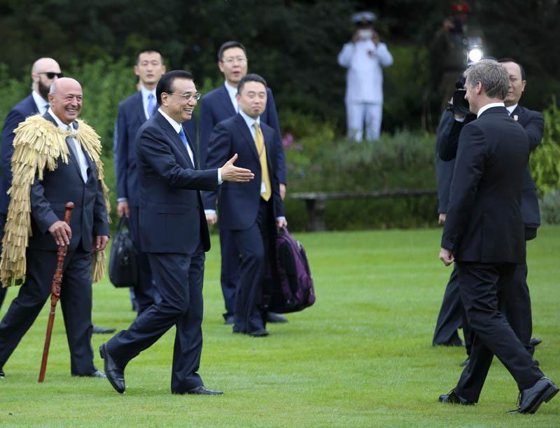 新西兰总理举行毛利特色仪式欢迎李克强