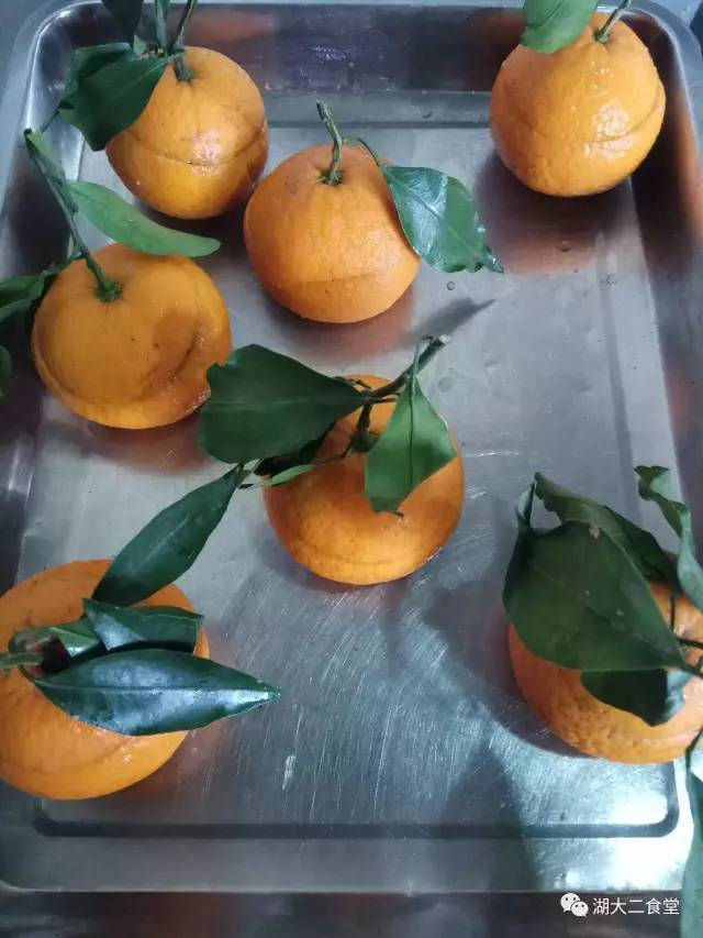 """湖南大学食堂推新菜""""橙市套路深"""" 网友:这回感觉是好吃的"""