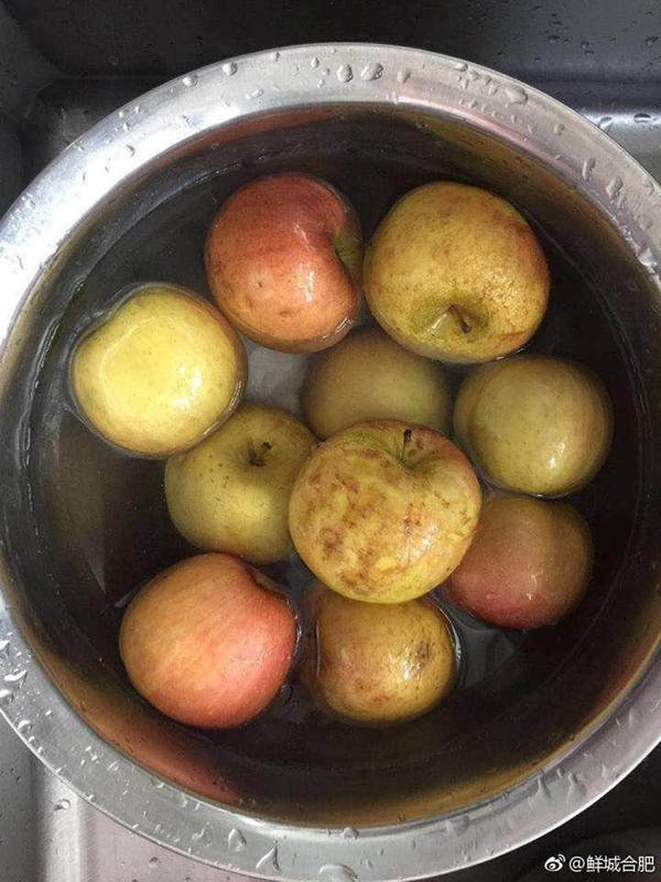 """西山银杏幼儿园被曝光的""""烂苹果""""。爆料人供图"""