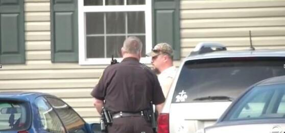 美国辱母案 15岁少年5枪打死辱母男子被判无罪