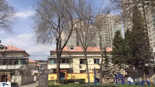 太钢小二楼别墅区内景。