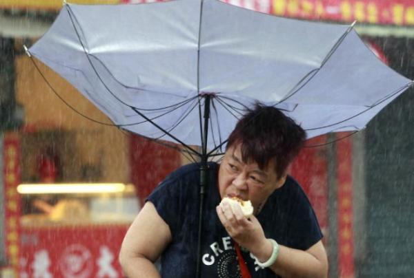 这两天,又一位台湾大妈火了,这次引来英国BBC的关注。