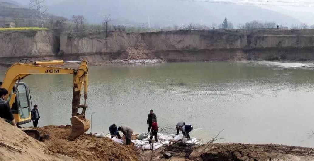 河南灵宝一水库侧漏300名群众转移