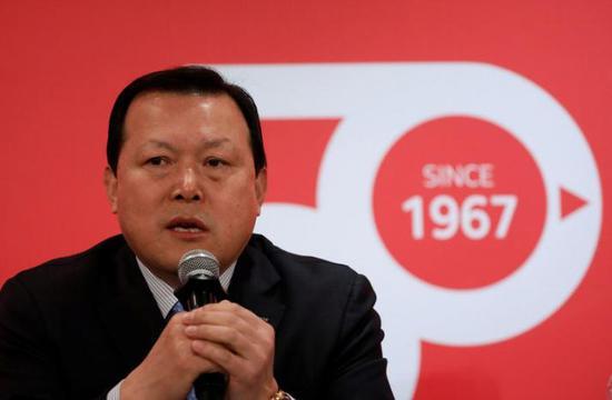 乐天集团行政副总裁黃珏圭在新闻发布会上