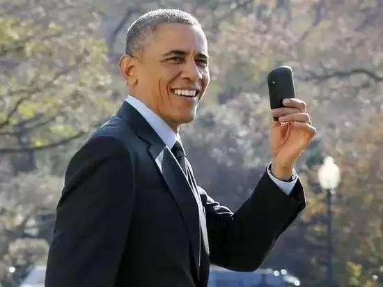 奥巴马和黑莓手机