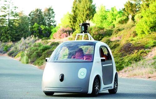 张志勇分析认为,即使无人驾驶技术成熟,要获得法律的通行证也将会道路漫长,甚至永远都可能拿不到, 当前预期谁将是无人驾驶汽车的第一还为时过早。谁将获得第一,这是从市场的角度而言,而事实上,现在无人驾驶汽车尚未迈出商业化的步伐。