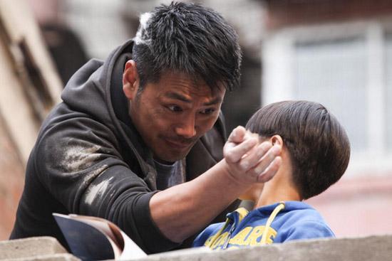 《一起长大》热播被评良心剧 邵兵首度挑战导演