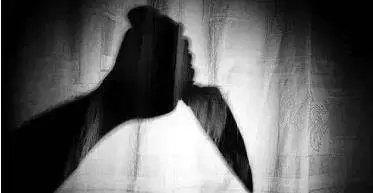 4月5日,最高人民法院党组副书记、常务副院长沈德咏,在山东济南主持召开刑事审判工作调研座谈会,明确表示:司法审判不能违背人之常情,独立审判与尊重民意并不矛盾。