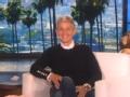 《艾伦秀第14季片花》第一百二十九期 艾伦调侃小熊维尼不穿裤子 模仿观众唱歌惹爆笑