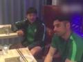 视频-李磊伊尔马兹赛后聚餐 不忘比赛探讨细节