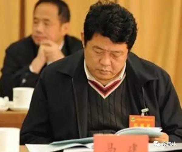 马建称,2008年左右,郭文贵在建设金泉广场写字楼时增加容积率,北京市规委要对违规建筑处罚。按照处罚最高的规定可以拆除这些建筑,郭文贵因此会面临几个亿的损失,他派人以国安部的名义,给北京市规委发函,希望北京市规委,在不严重影响郭文贵公司利益的情况下,依法作出处理,北京市规委将情况报给时任北京市副市长,经批准,最后只对郭进行了罚款处罚,为郭文贵挽回了数亿元的损失。