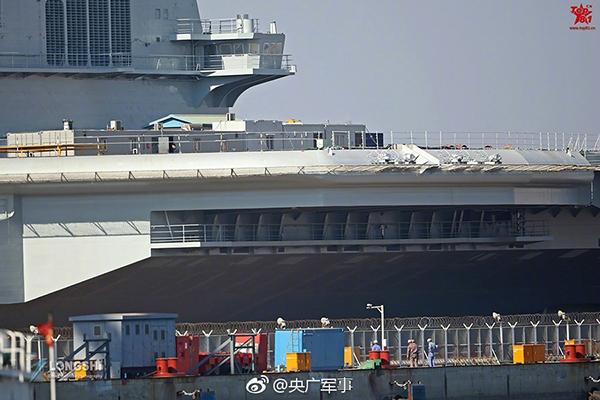 媒体:国产航母已刷漆 似乎在等待一个特殊的节点