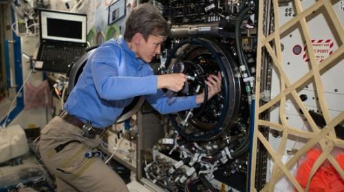 """美国女宇航员将刷新""""太空累计停留最长""""纪录"""