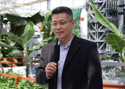 北京神舟航天文化创意传媒有限责任公司董事长原民辉接受采访