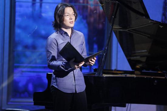 《朗读者》钢琴家吴纯曝励志成长经历 感动网友
