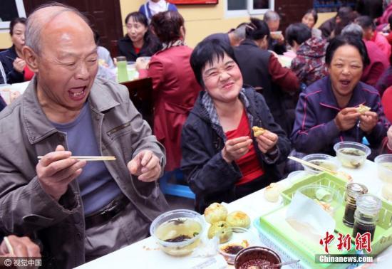 中国养老保险基金累计结余破4万亿 总体运行平稳