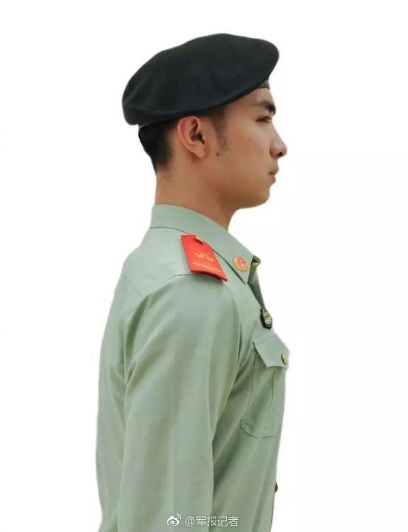 武警部队全面配发16武警贝雷帽(组图)