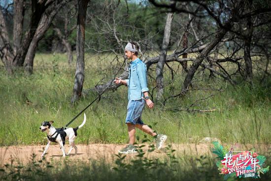 《花少3》旅行坎坷不断 陈柏霖探路纳米比亚