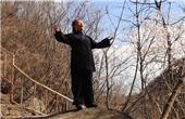 她独自隐居京郊山林修道