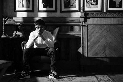 陳重夷首支原創單曲《和自己聊聊》驚艷首發[音樂新聞資訊],香港交友討論區