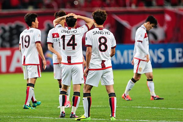 上海上港4比2击败首尔FC。 东方IC 图