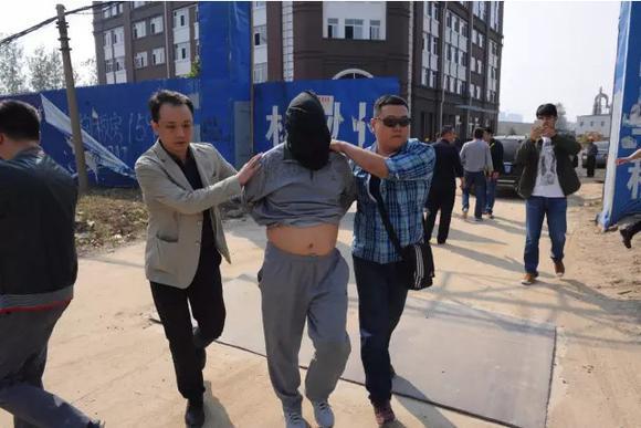 郑州特大银行劫案:劫匪潜逃16年 被抓时是亿万富翁(组图)