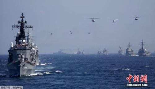 """日本将首次实施保护美军舰艇""""武器等防护""""任务"""