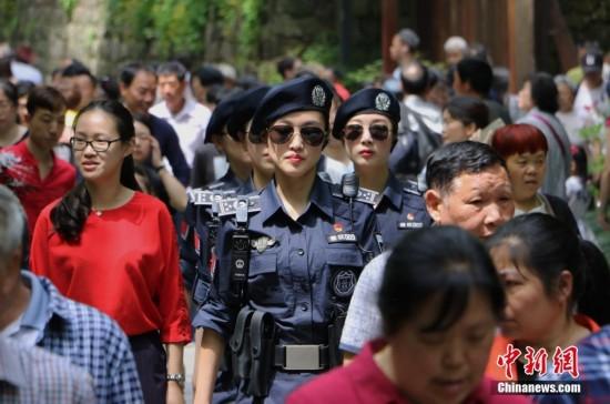 西湖女子巡逻队成西湖景区新名片(图)