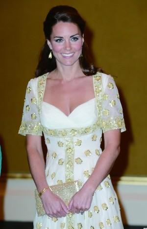法国一家媒体五年前因刊登英国凯特王妃半裸照而吃官司。本月2日,6名涉案媒体人在巴黎郊区的楠泰尔法院出庭受审,英国王室索要上百万欧元赔偿。