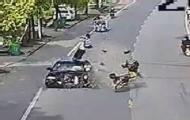 男子骑车急转弯被撞飞身亡