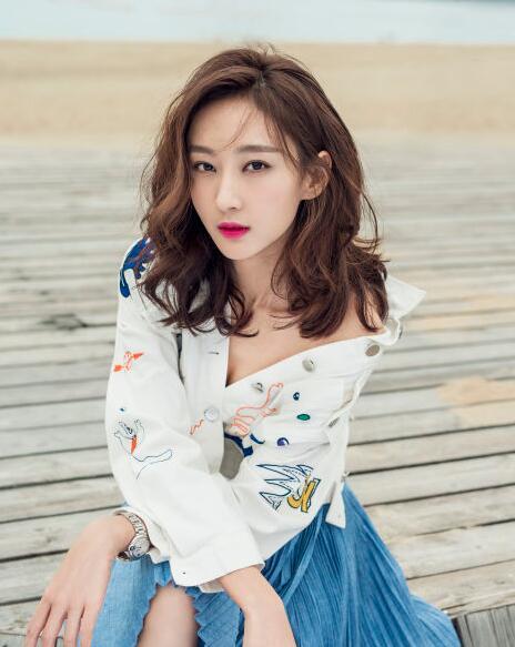 张宇菲《凡人的品格》杀青演绎富家千金