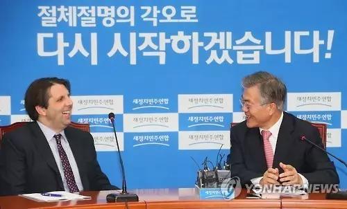 """2015年时,坊间已传言韩美正在协商部署萨德,不过韩美官方从未公开承认过。如今回过头来看,韩美双方恐怕早已在""""暗度陈仓""""了。"""