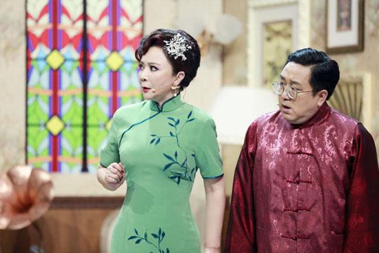蔡明变身民国少女秀身材 复古旗袍装曼妙动人