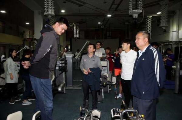 北京体育大学5月11日成立中国篮球运动学院,中国篮协主席姚明应邀出任名誉院长。