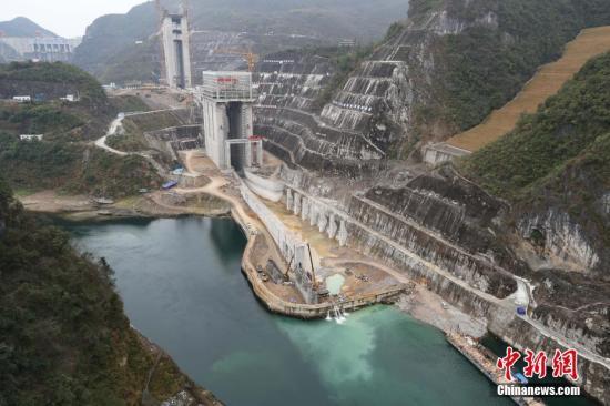 资料图:中国一机电工程项目。 中新社记者 贺俊怡 摄