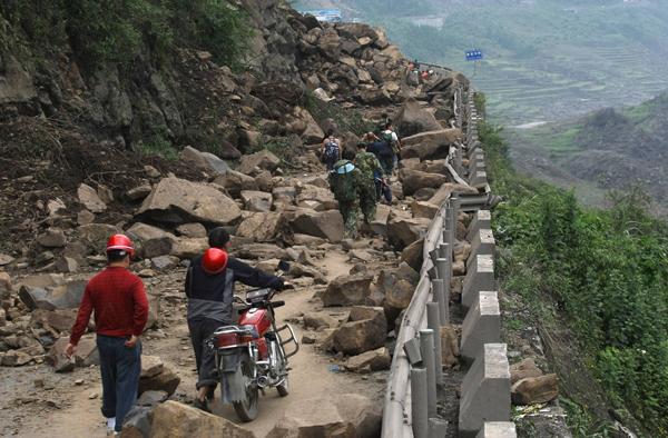 2008年5月,这是通往汶川最为快捷的路。 澎湃新闻 资料