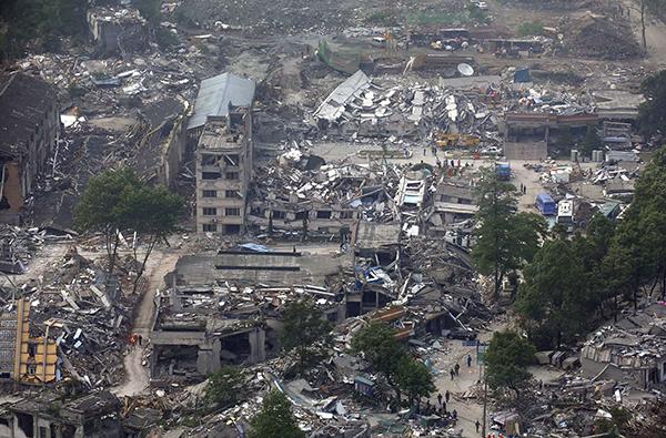 2008年5月14日,航拍映秀镇,地震过后很少有完整的建筑存在。 视觉中国 资料图