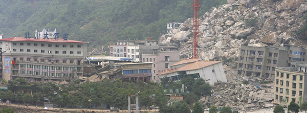 2008年5月13日,四川北川,当时的新县城几乎被滑坡掩埋。 视觉中国 资料图