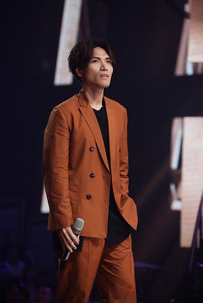杨宗纬返场《我想和你唱》 助阵520情歌专场