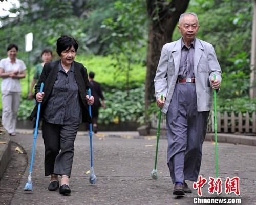 资料图:中国人口老龄化、高龄化、空巢化加速引关注。王东明 摄