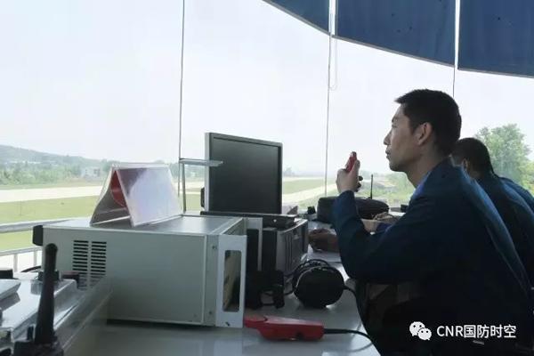空军空降兵某运输航空兵旅亮相,并接收鄂北某场站
