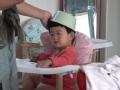 《厉害了奶爸片花》奶爸拿锅盖为娃理发 用剪子姿势引众人声讨