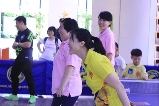 活动:王楠美术馆里打乒乓球 妇联携手世界冠军颠覆传统