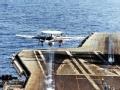 """危险的""""机场"""":航母甲板上的生死时刻"""