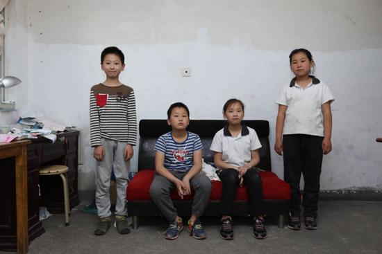 《生活改造家》暖心出动 为四胞胎打造独立新家