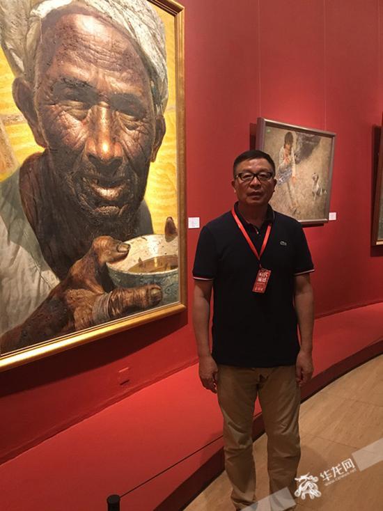 罗中立与他的作品《父亲》 见习记者 冯司宇 摄