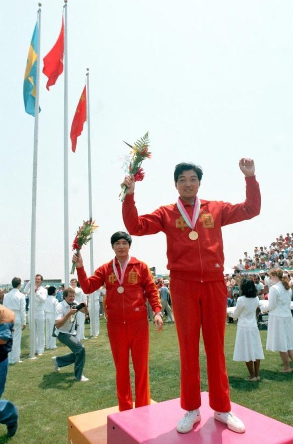 许海峰洛杉矶奥运夺金。